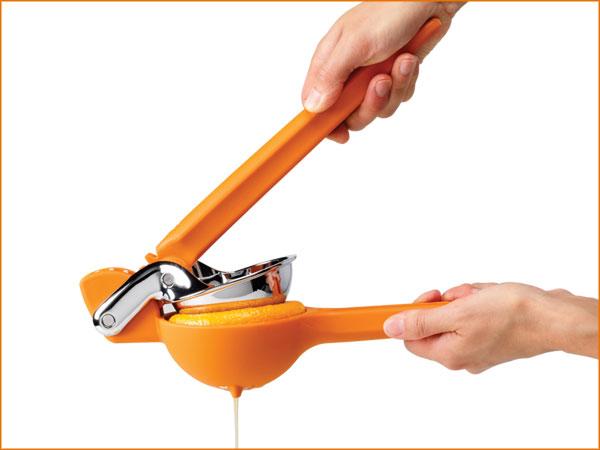 orange-juicer-ergonomic-best-kitchen-gadget